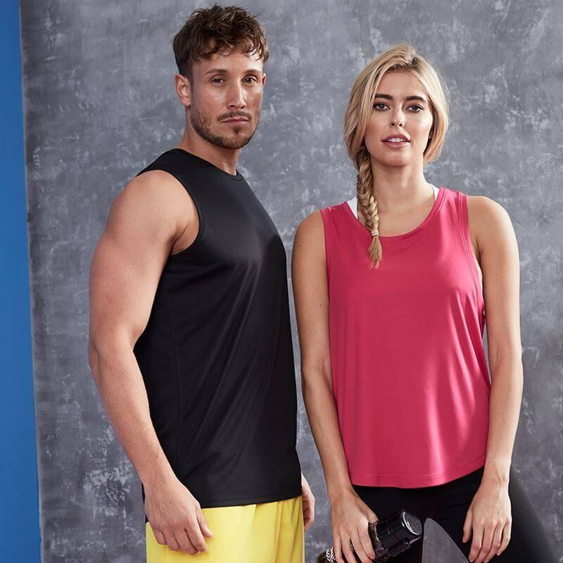 corporate sportswear: men and women's custom sportswear by Corprotex